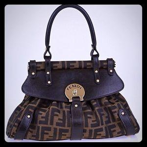 Pre-owned Authentic Fendi Zucca Medium Bag
